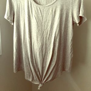 Gray t-shirt with cute knot detail